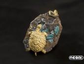 Spilla oro giallo con emimorfite | Negri Gioielli Roma 100% Artigianali | handmade jewellery